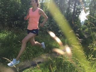 Löpning i skogen.