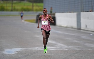 Mustafa Mohamed under årets SM i halvmaraton där han slutade trea på 01.03.59.
