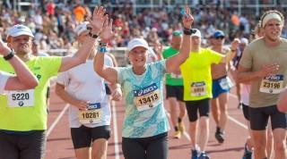 Springa gå ASICS Stockholm Marathon